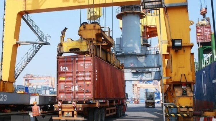 Seaport logistics sector to play bigger role in Hai Phong's economy