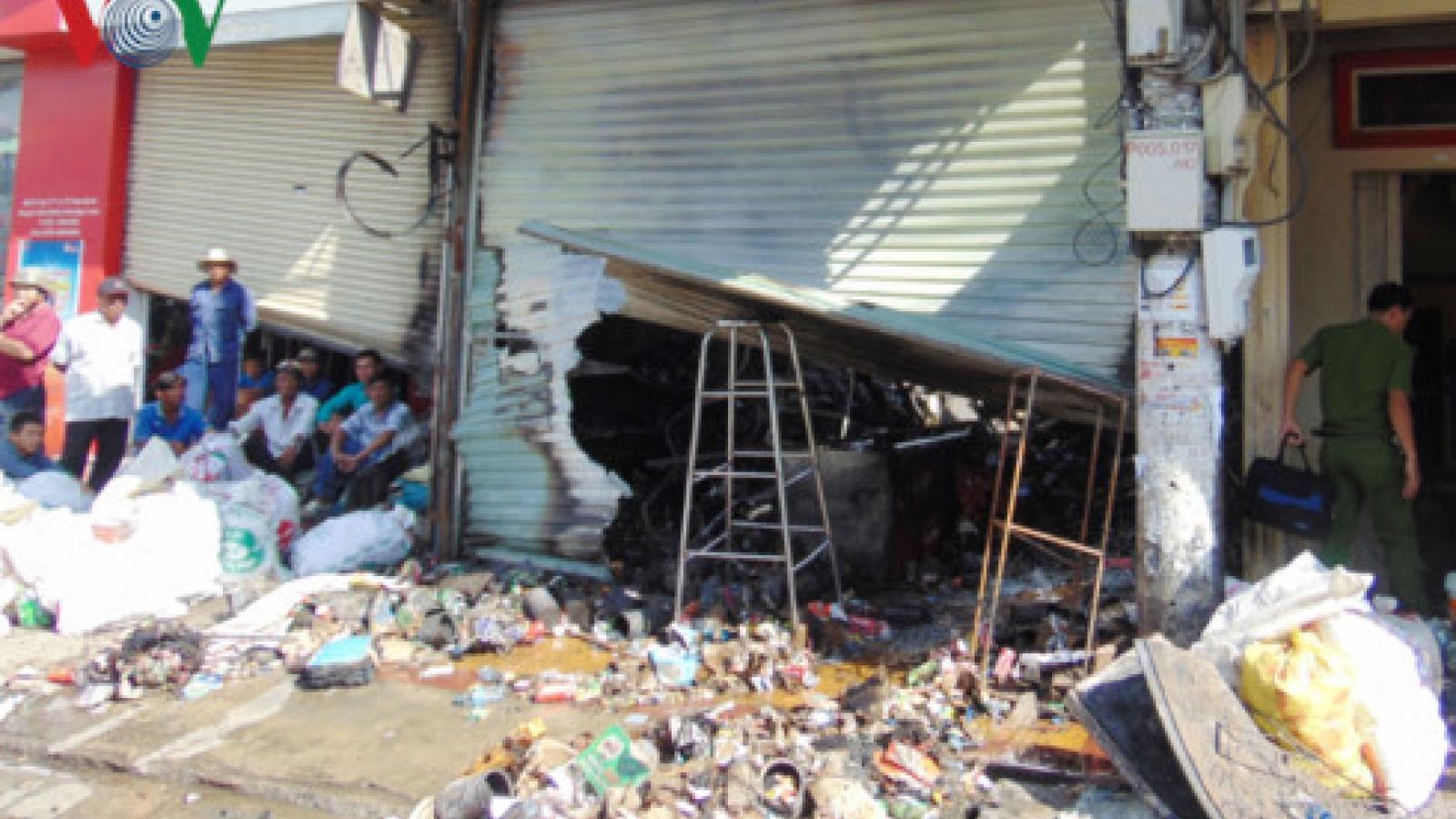 4-alarm fire damages 3 businesses in Bac Lieu Province