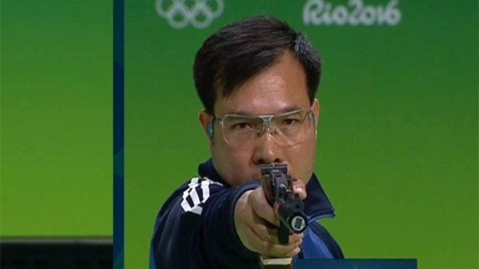 Shooter Xuan Vinh retains No. 1 world ranking in 10m air pistol