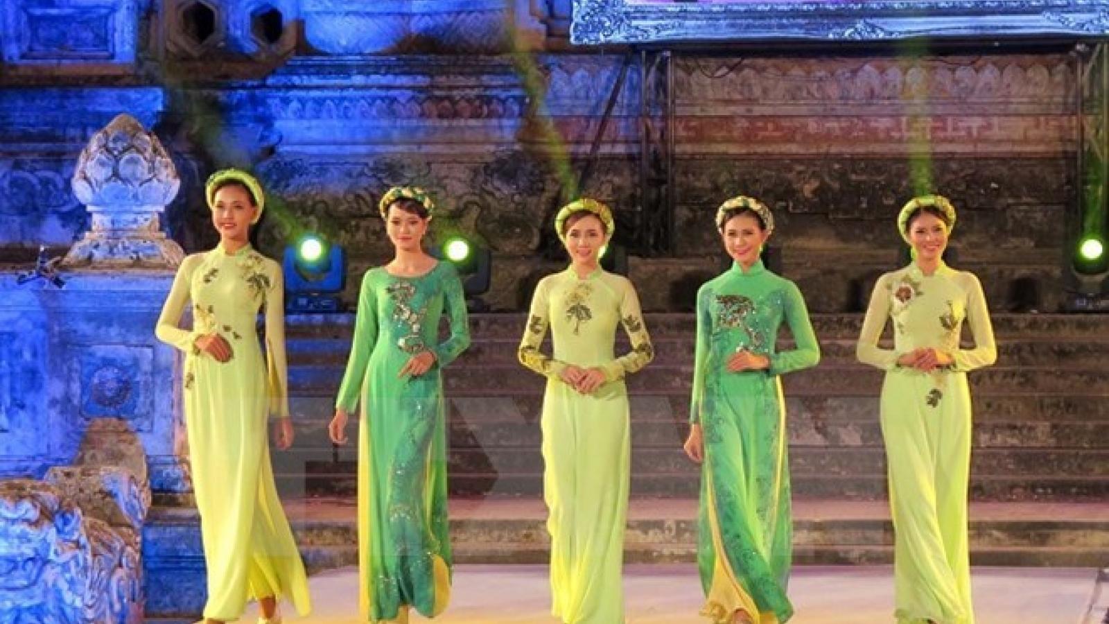 Hue Festival: Art performances impress visitors