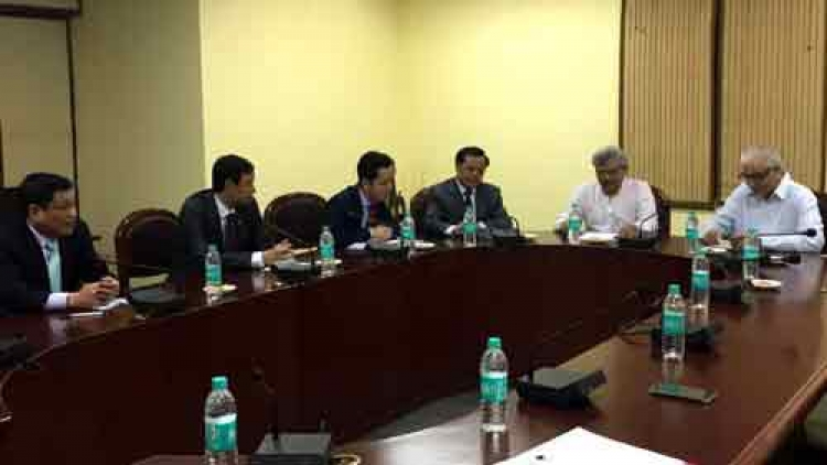 Hanoi furthers cooperation with India