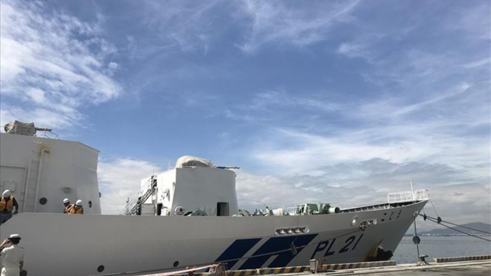 Japanese coast guard ship welcomed in Da Nang