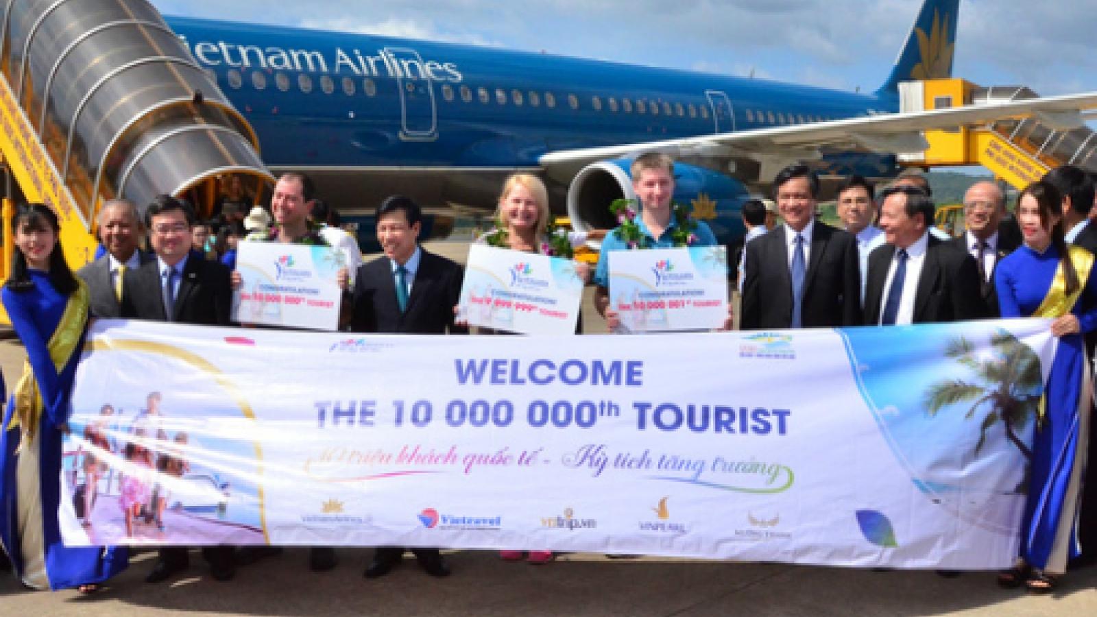 Vietnam welcomes 10 millionth foreign tourist