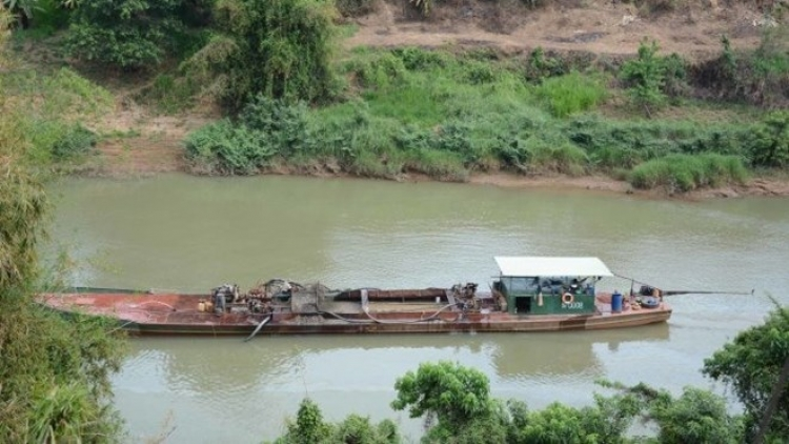 Landslide havoc prompts ban on sand mining in Dong Nai River