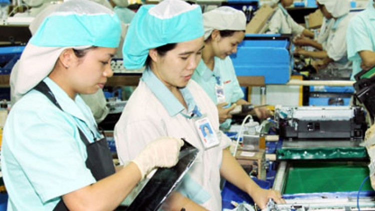 Vietnam protects rights of women migrant workers