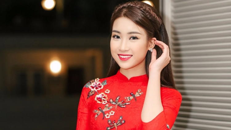 My Linh competes in Miss World Head-to-Head challenge