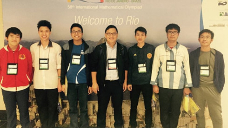 Vietnam youth win 6 medals at Int'l math Olympiad