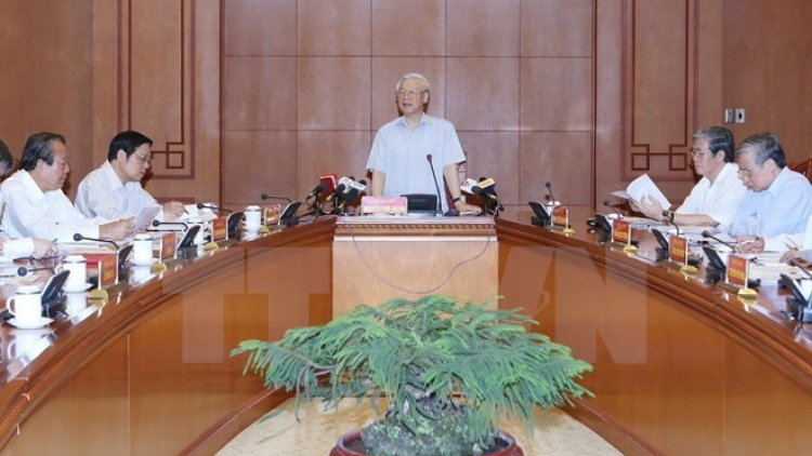 Meeting discusses anti-corruption work