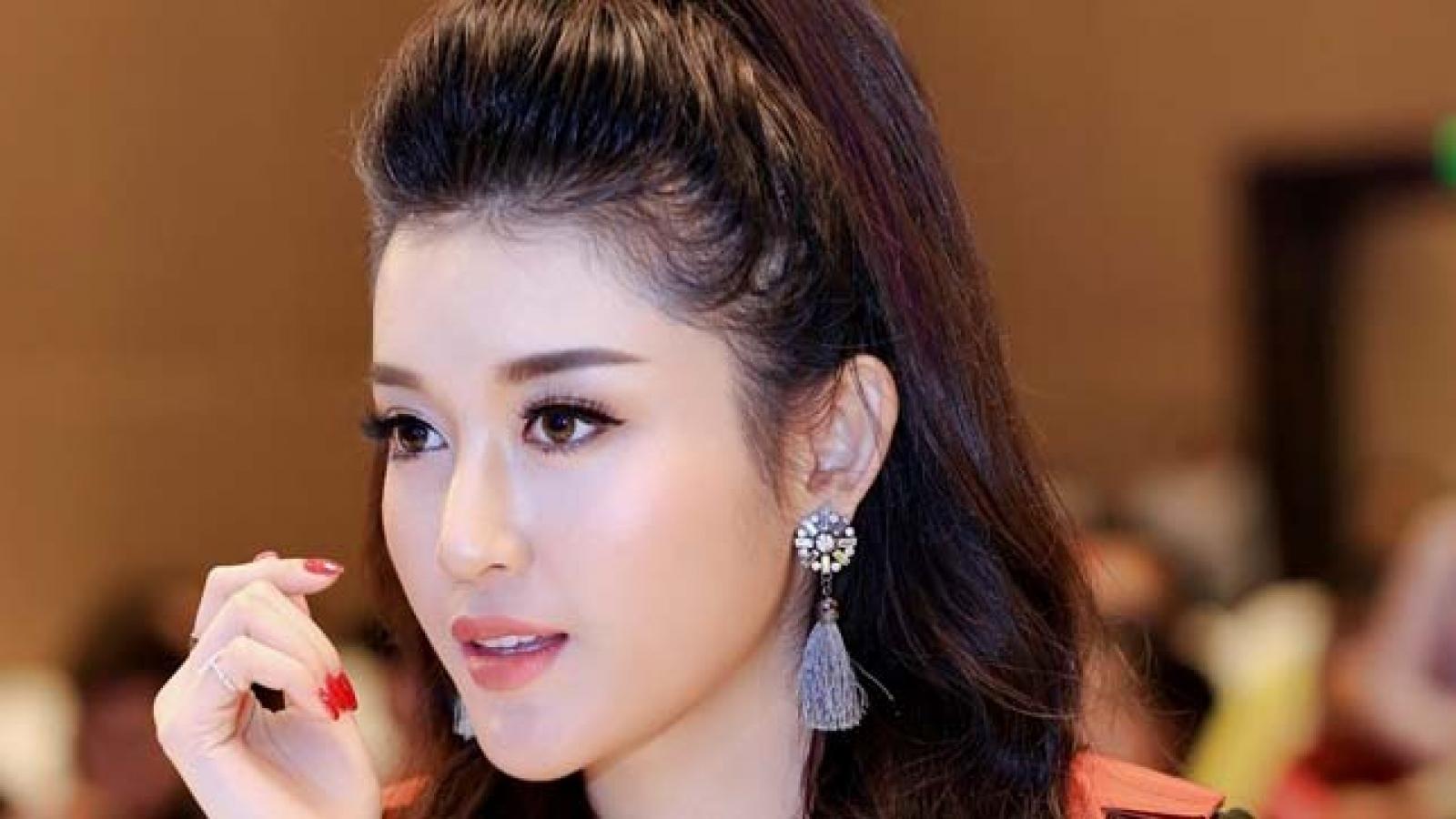 Huyen My serves as a jury member at brand representative contest