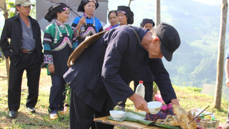 Agricultural rituals and wedding customs of the Bo Y ethnic people