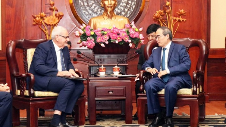 HCM City hopes for greater help from IFC in smart urban development