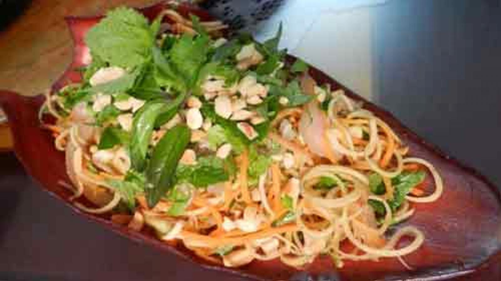 Banana blossom salad – a specialty of Vietnam cuisine