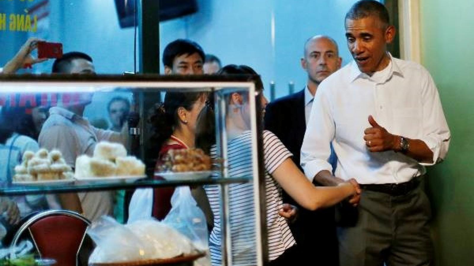 Obama hails 'Bun Cha' on CNN