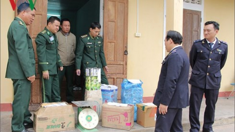 Police seize 84 kg of firecrackers being smuggled from Laos to Vietnam