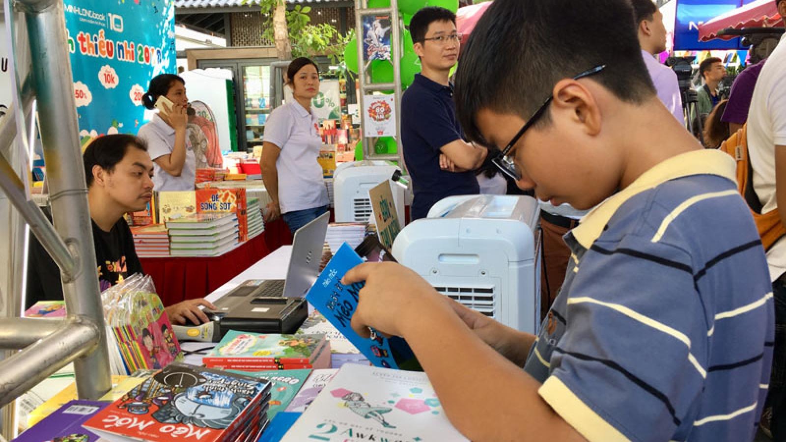 Kid activities at Hanoi's book street