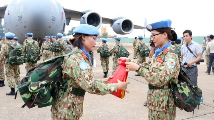 Send-off ceremony for peacekeeping field hospital staffers