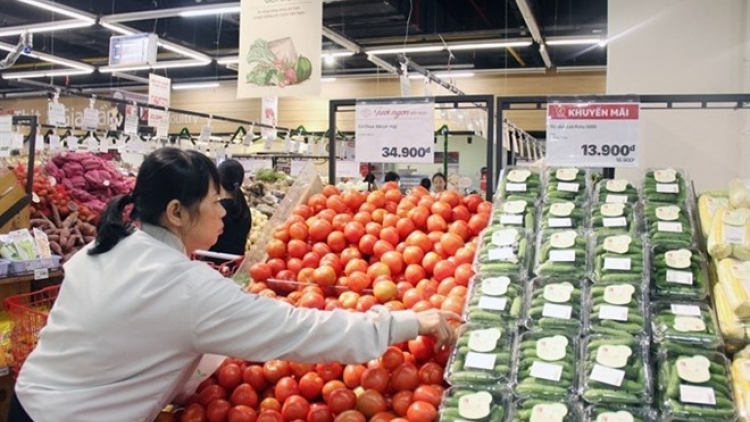 Retail sales rise on strong domestic demand