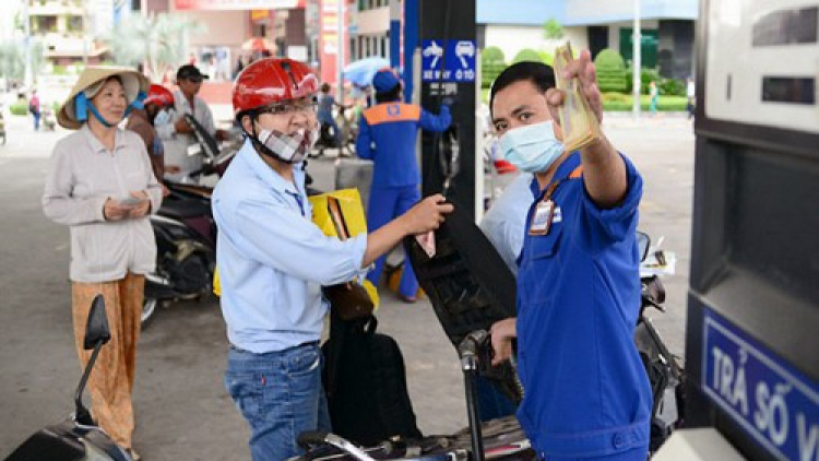 Vietnam cuts retail fuel prices for a second time in January