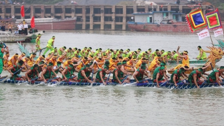 Annual boat race held in Phu Tho as part of Hung Kings Festival