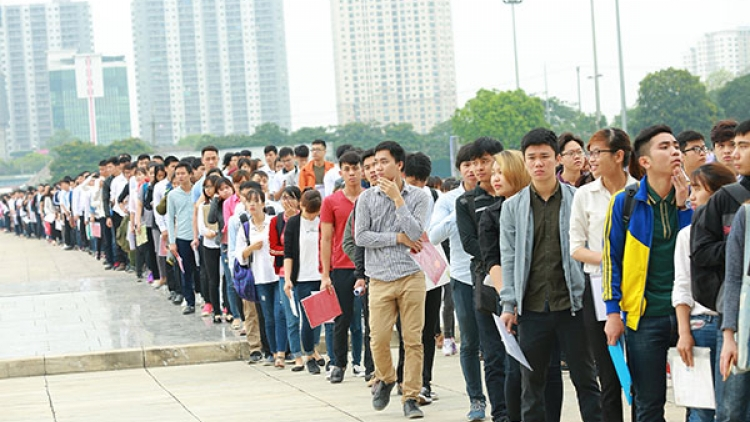 Samsung Vietnam's largest recruitment test in two big cities