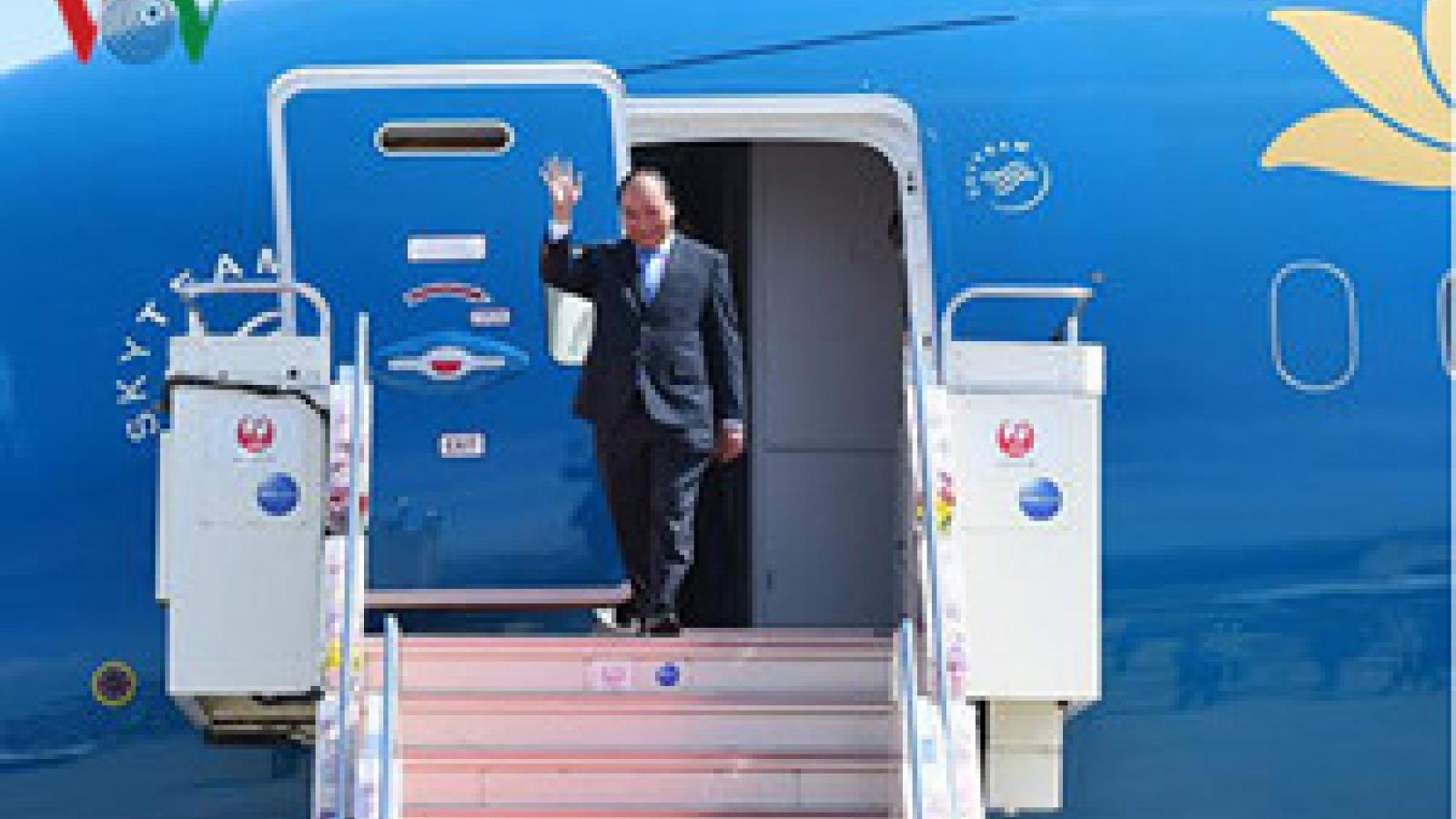 PM leaves Hanoi for ASEAN Summit in Laos