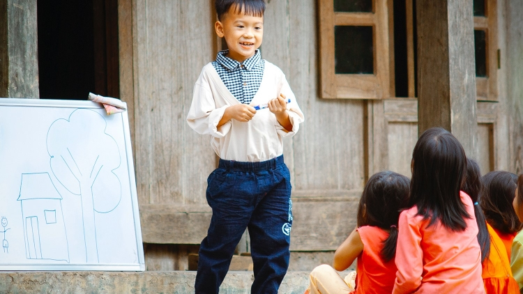 Save the Children supports children with special needs in Lao Cai province