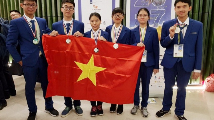 Vietnam secures 6 medals at International Science Olympiads