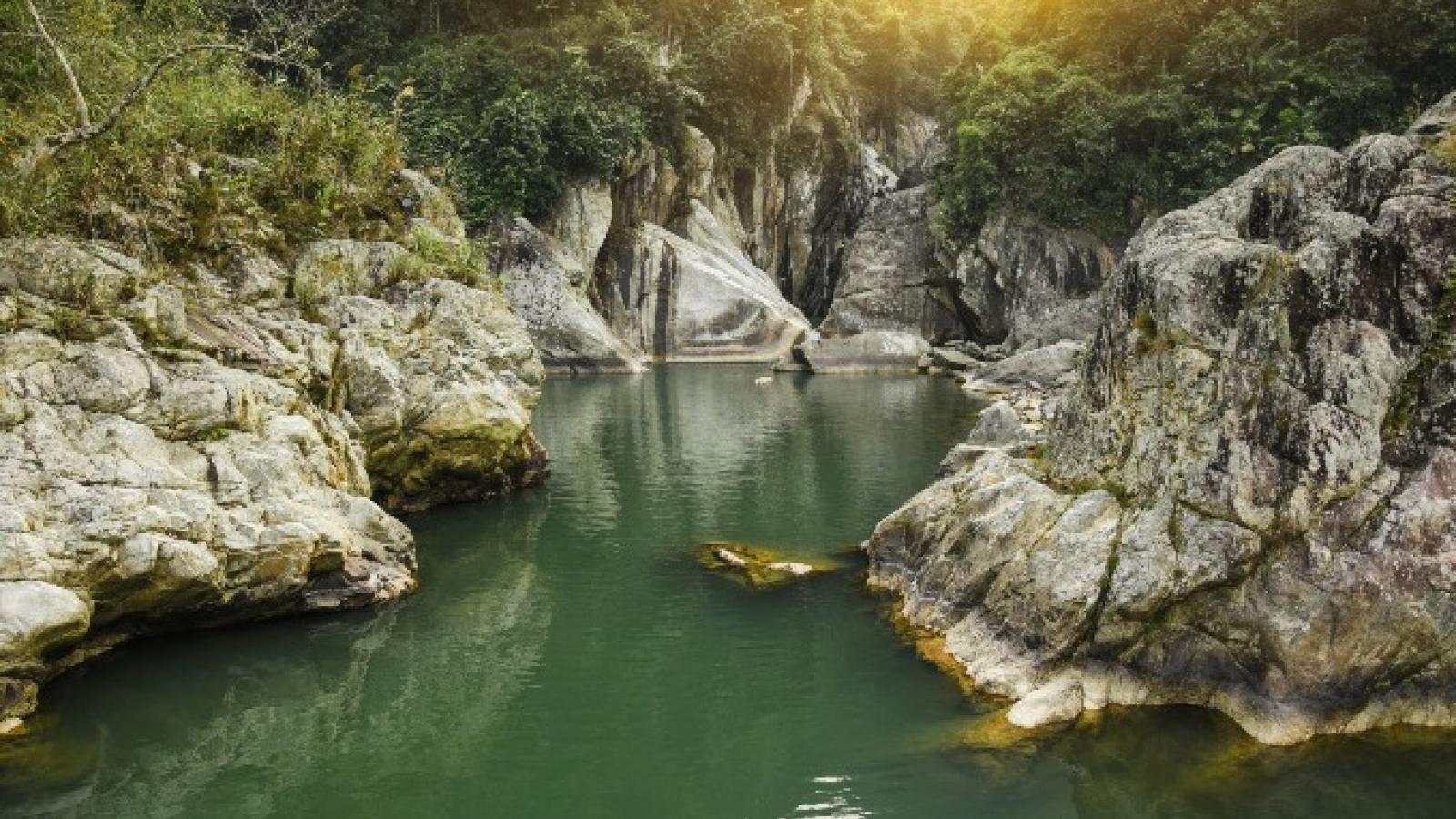 National Geographic lists Vietnam mountain range among world's best destinations