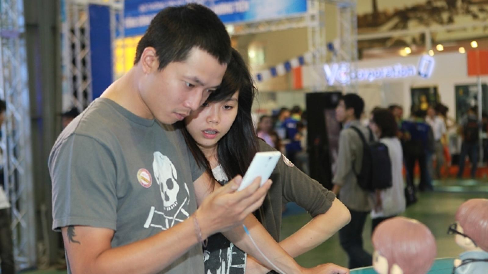 Vietnam smartphone subscription to triple