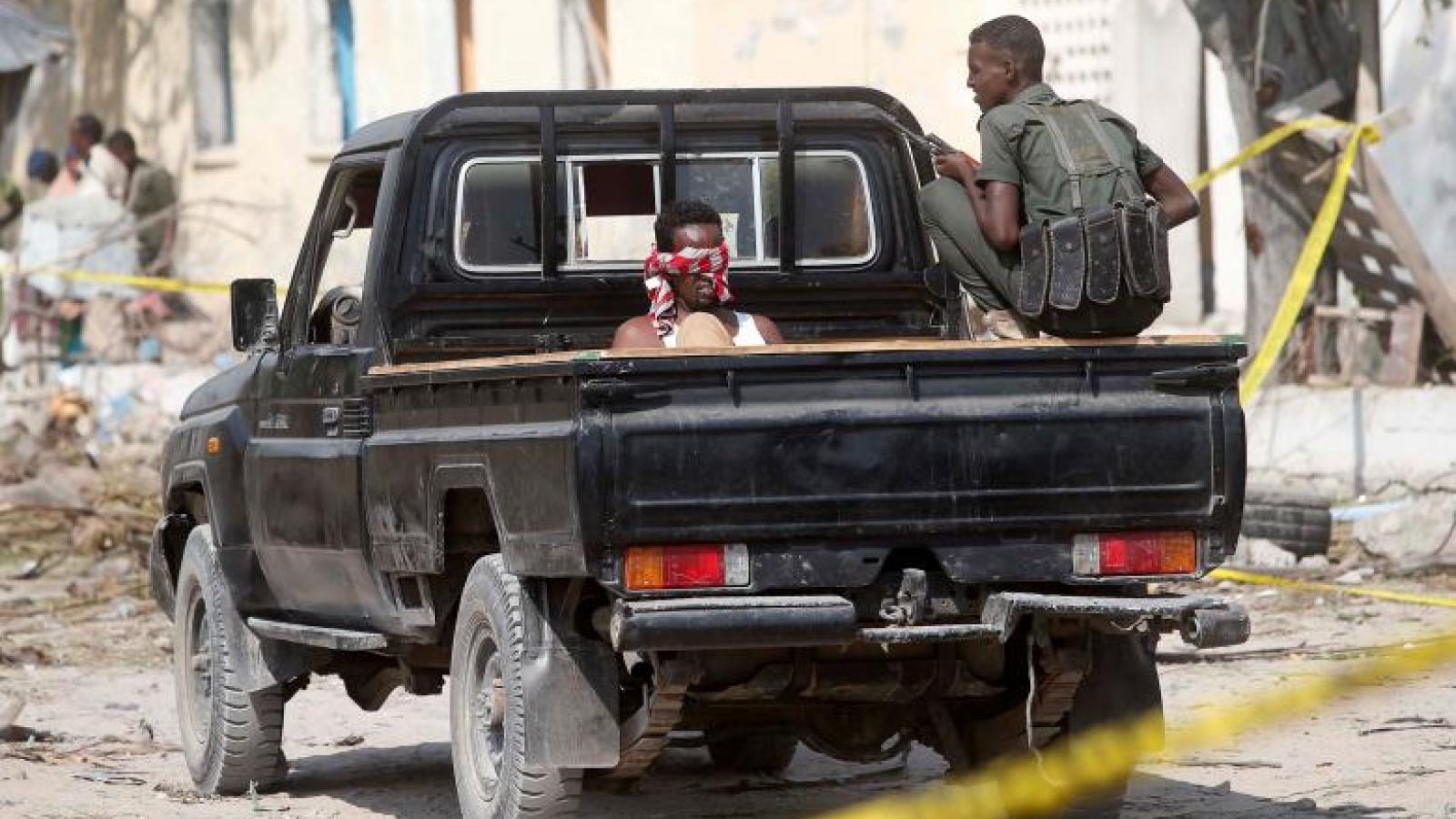 Suicide bomb kills at least 29 at Somalia's main port: police