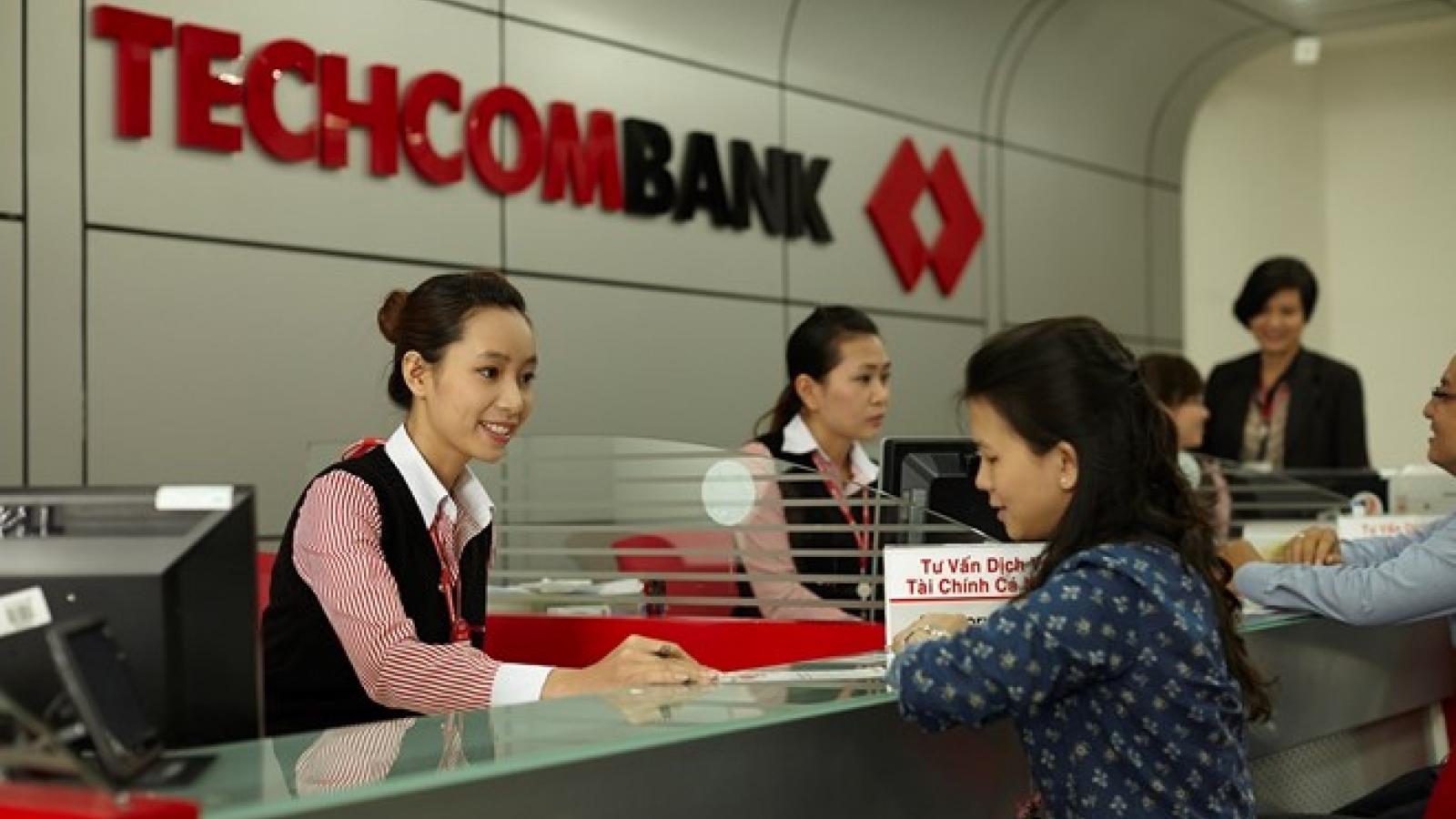 Techcombank receives many int'l awards