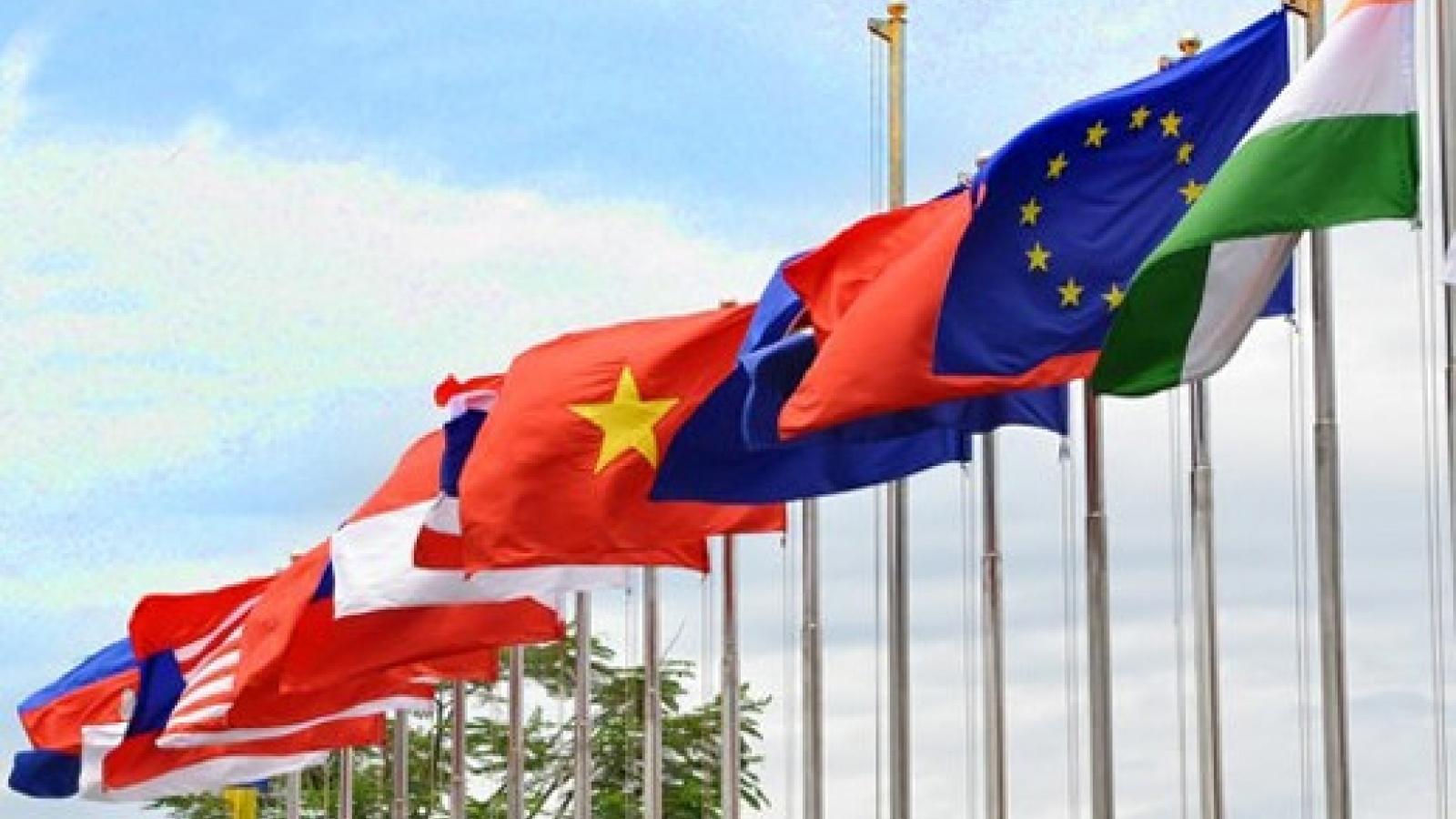 Vietnam deepens foreign relations in 2007