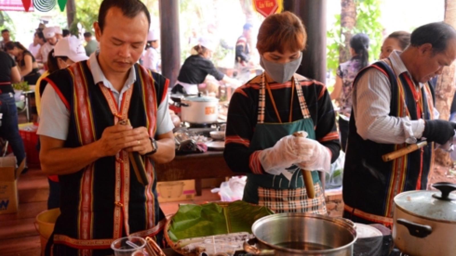 Dak Lak hosts cuisine contest at Buon Ma Thuot Coffee Festival
