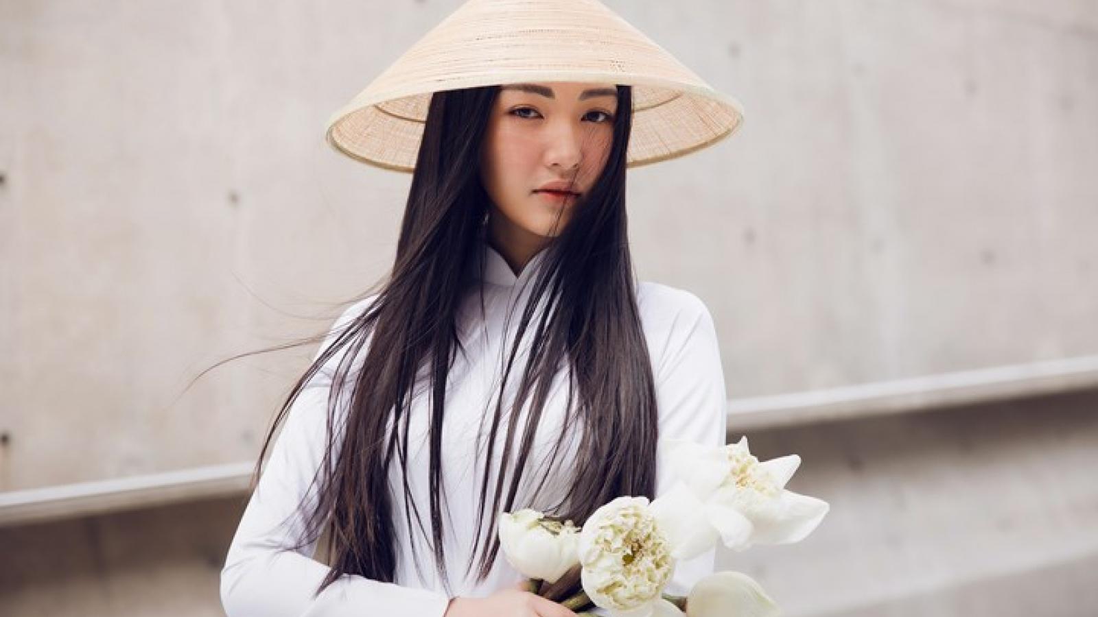 Ngoc Tran shines in Ao dai at Seoul Fashion Week