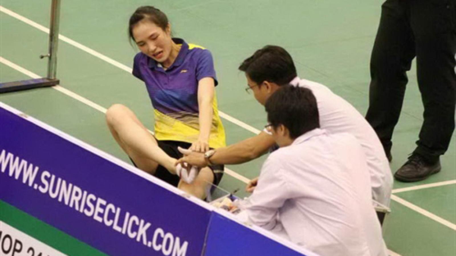 Trang out of Vietnam Open badminton event