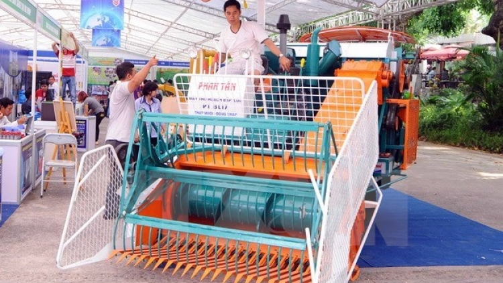 Hanoi technology market introduced
