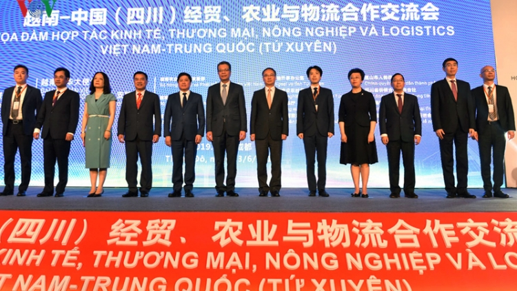 Vietnam, China seek to boost cooperation in trade, logistics