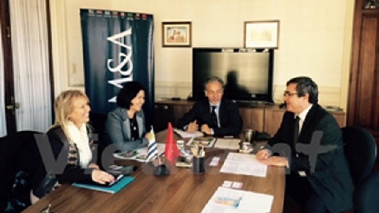 Vietnam promotes economic cooperation with Uruguay