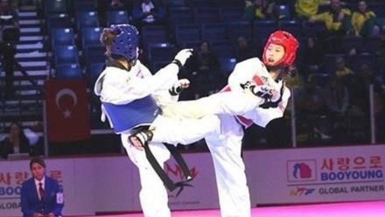 Vietnam taekwondo wins first gold at martial arts mega event in RoK