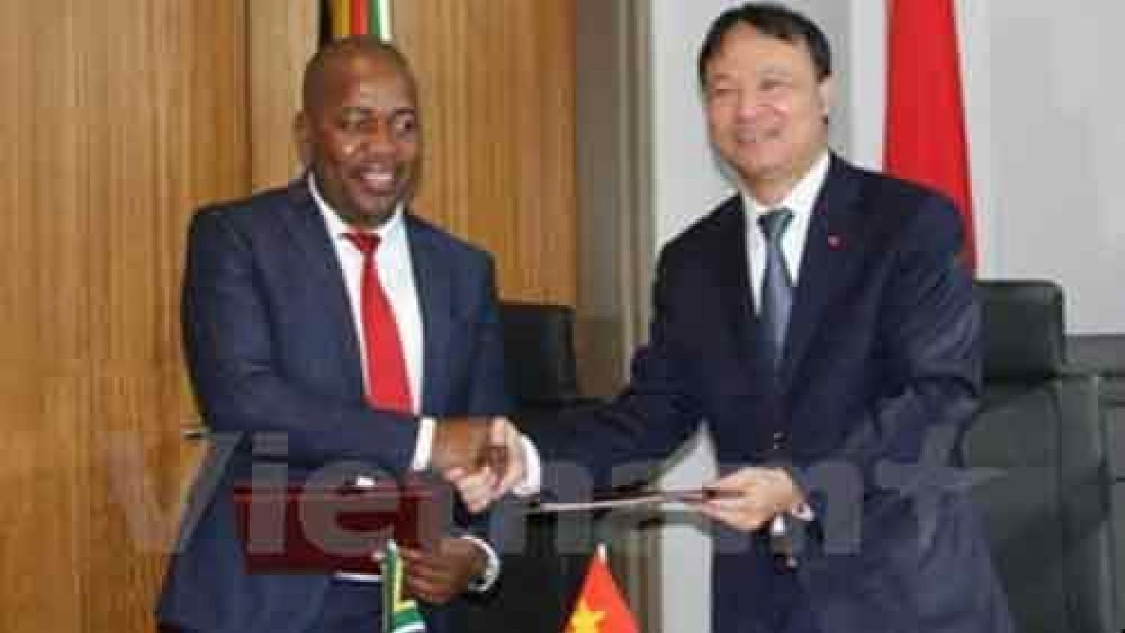 Vietnam, South Africa discuss US$3 bln trade turnover