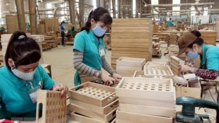 Vietnam accounts for 6% of world's timber, wooden furniture market