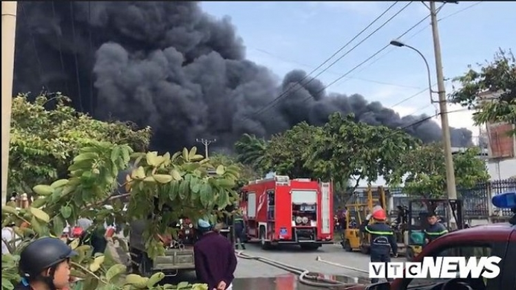 Fire destroys 3 factories in HCM City