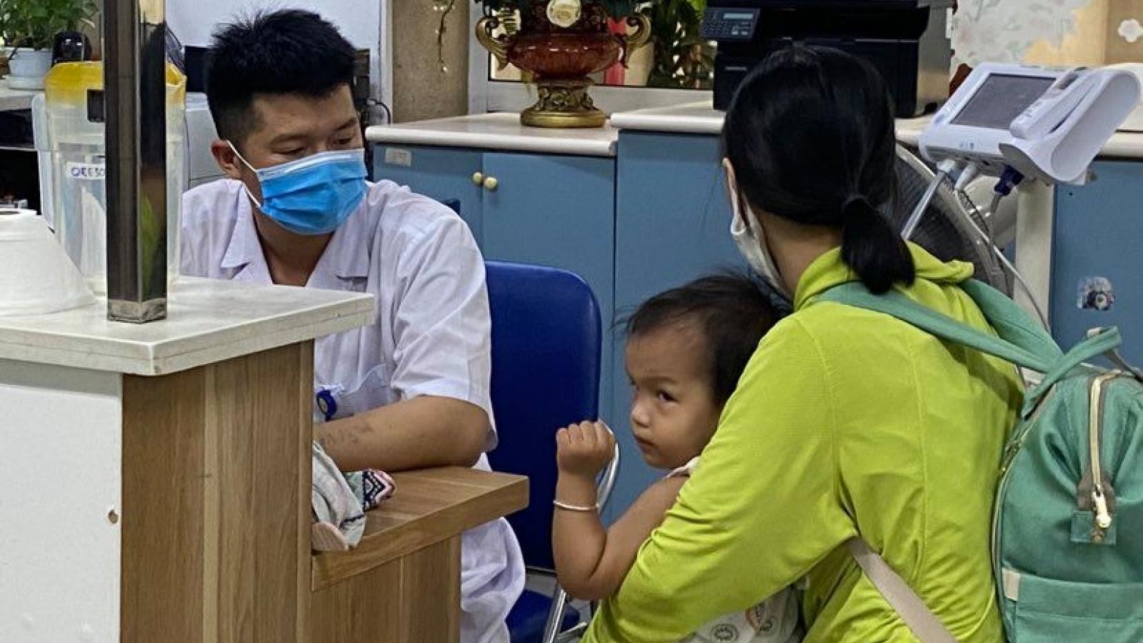 Vào hè, nguy cơ gia tăng trẻ mắc các bệnh truyền nhiễm