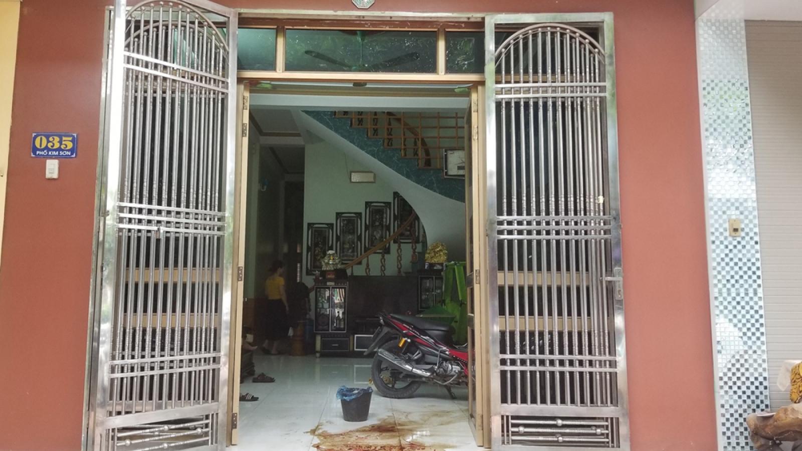 Nhóm đối tượng xấu ném chất bẩn vào nhà dân ở Lào Cai