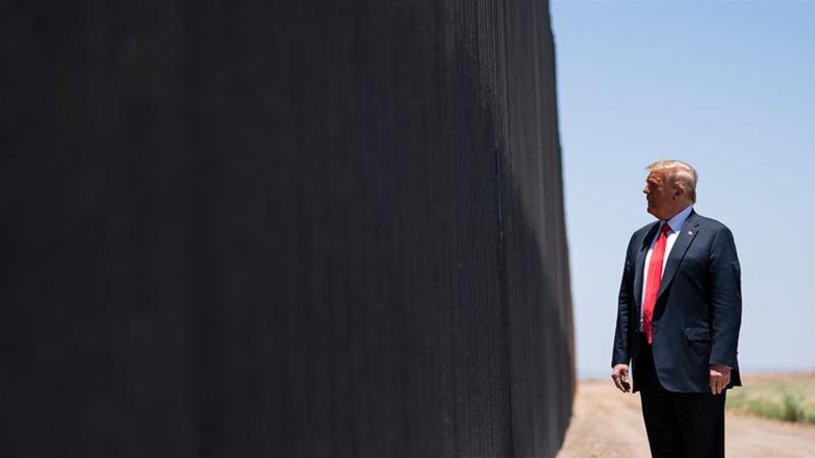 """Tổng thống Trump: """"Bức tường biên giới của tôi đã ngăn được Covid-19"""""""