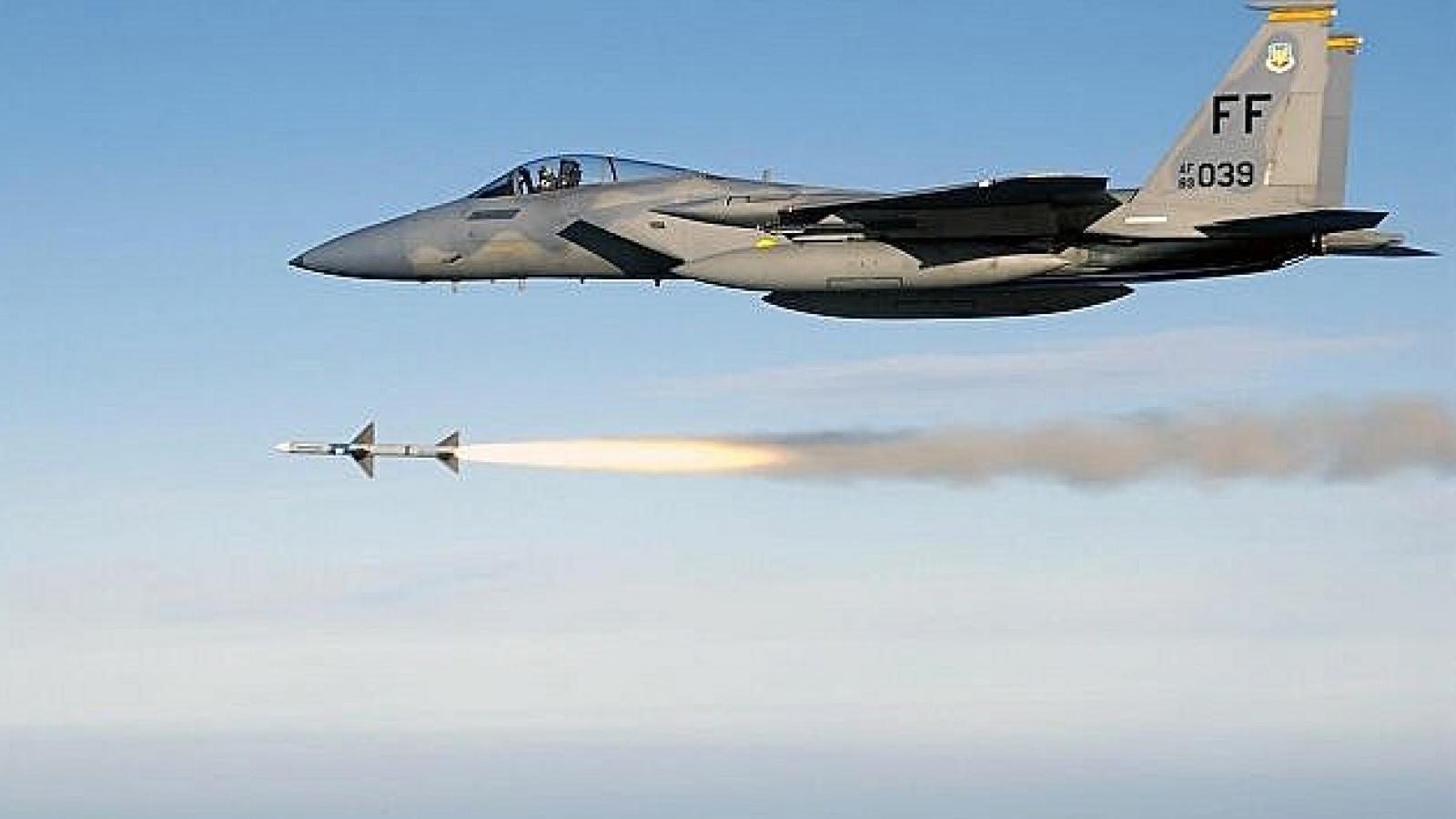 Mỹ đặt mua tiêm kích F-15EX có khả năng mang vũ khí siêu thanh