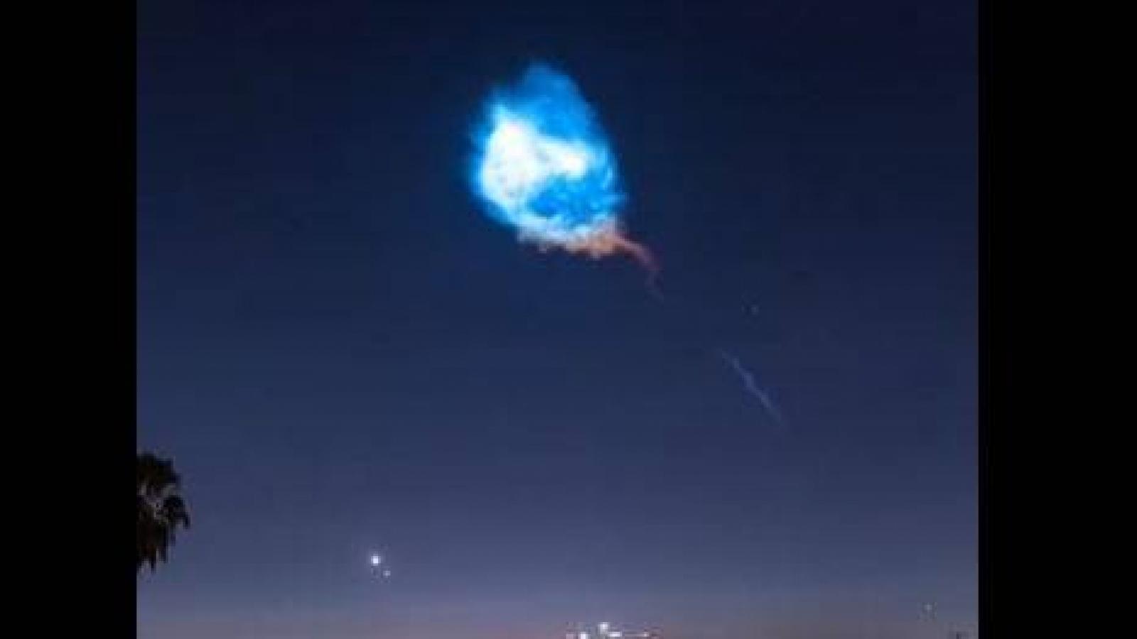 """""""Hiện tượng Chạng vạng"""" độc đáo khi tàu vũ trụ rời bầu khí quyển Trái Đất"""
