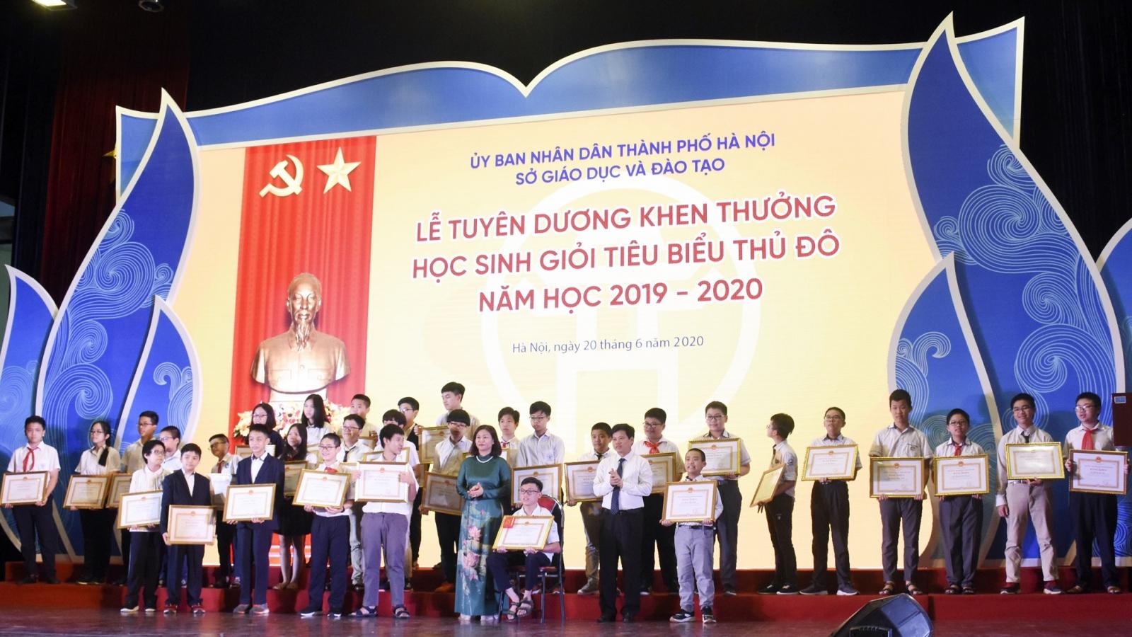 Tuyên dương hơn 500 học sinh giỏi tiêu biểu Thủ đô năm học 2019-2020