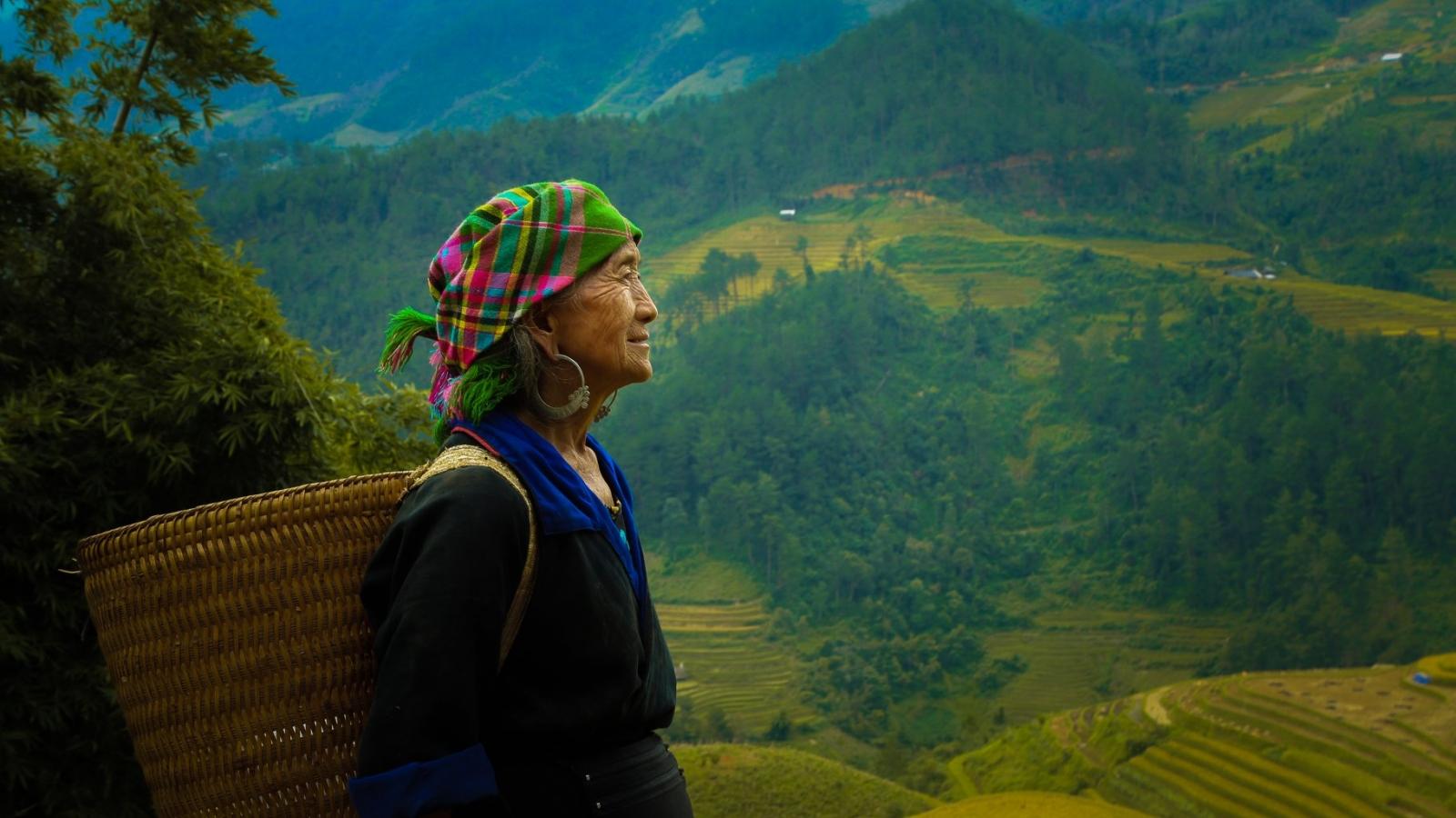 """Ảnh dự thi """"Việt Nam trong tôi"""": Người phụ nữ H'Mông"""