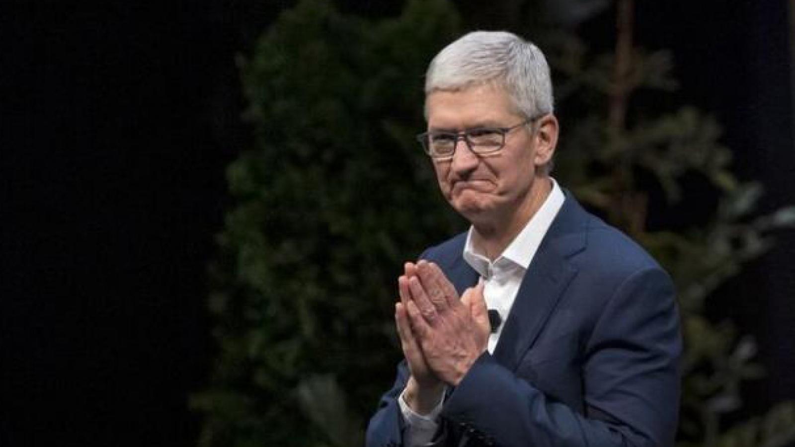 CEO Apple Tim Cook thành tỷ phú
